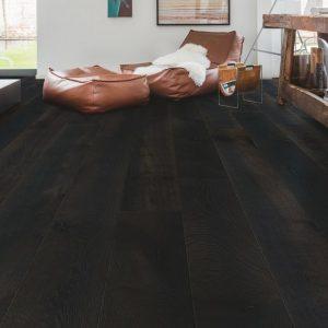 פרקט עץ אפור כהה